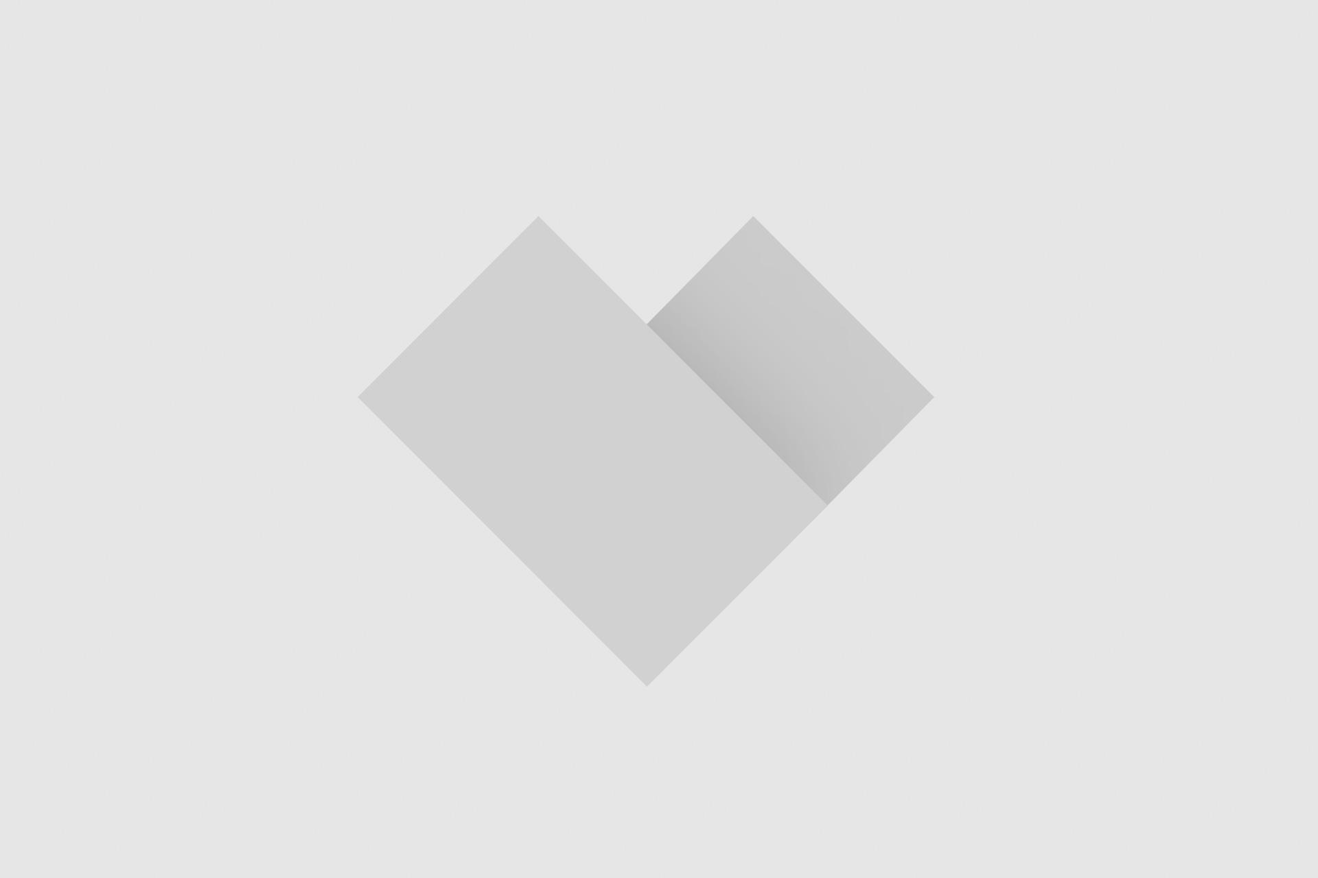 Mandy Grace Capristo, de knipperlicht-relatie van Mesut Özil